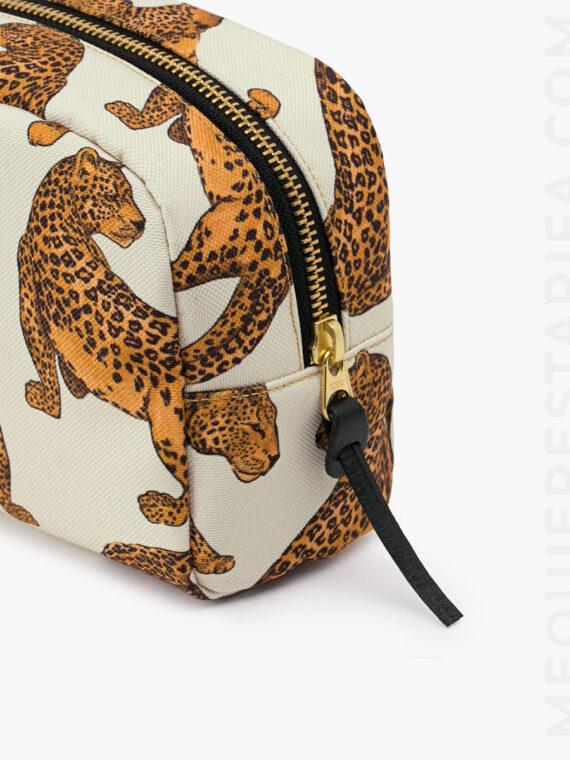 mequieres_leopard_makeup_bag