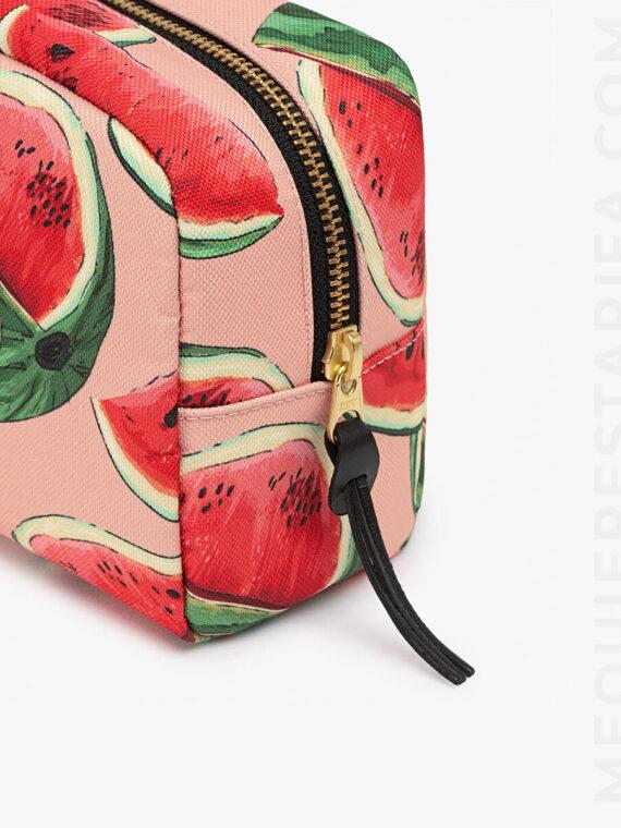 https://c8b9c7i4.stackpathcdn.com/wp-content/uploads/2018/12/Watermelon-Makeup-Bag-Details-1.jpg