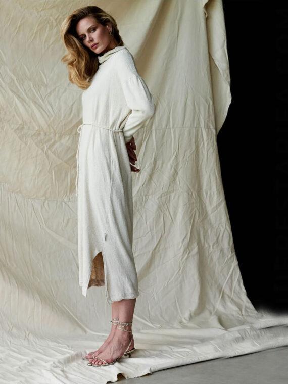 mequieres_turtleneck_dress