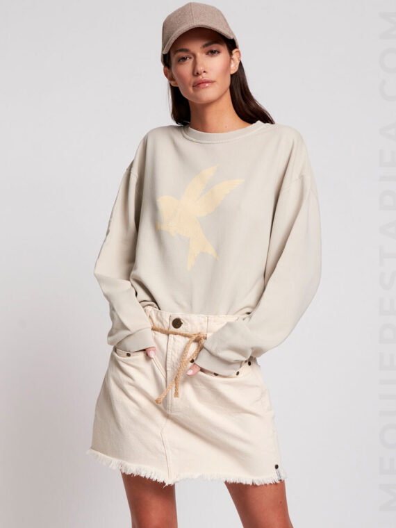 mequieres_bird_logo_sports_sweater_01